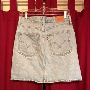 Cute Levi's Mini Skirt